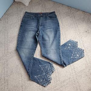 Jenny Jo jeans light wash floral embroidery F3
